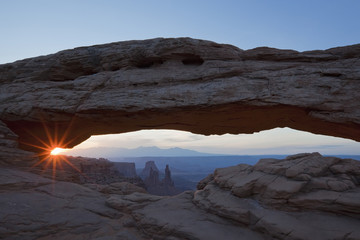 USA, Utah, Canyonlands National Park, Mesa Arch