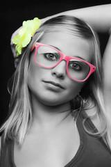 Portrait Mädchen Schwarz Weiß mit etwas Farbe