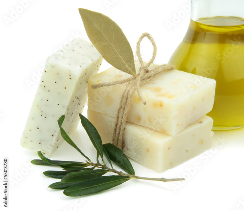 Natural soap with olive oil, daphne and poppy seeds