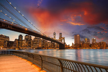 Brooklyn Bridge Park, New York City. Coucher de soleil spectaculaire de