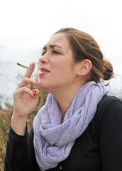 Une bouffée de cigarette en plein air