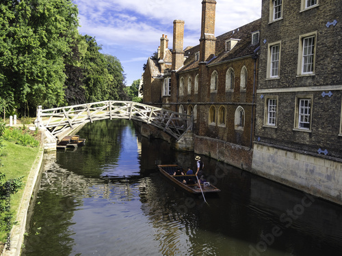 Poster Kanaal Punts lined up on river in Cambridge England