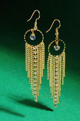 Golden earrings on air-focus setting- Focus stackking