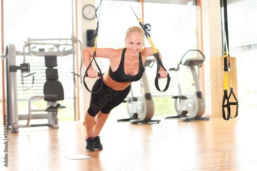 Training mit einem TRX-Fitnessband