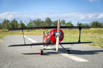 Avion rouge modèle réduit