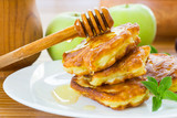 pancakes with apples and honey