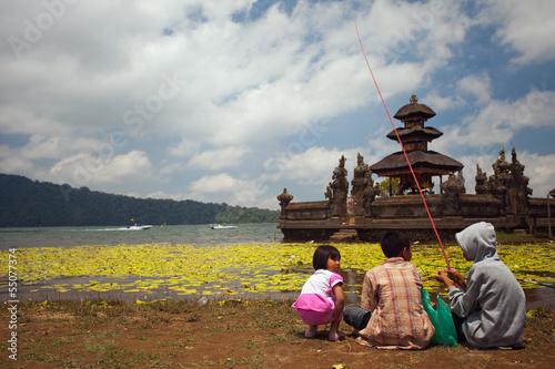 Foto op Plexiglas Indonesië Temple Ulun Danau on Bratan Lake in Bali.