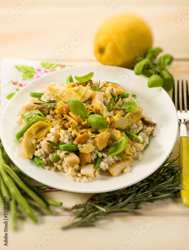 barley risotto with mushroom artichoke white meat and green bean