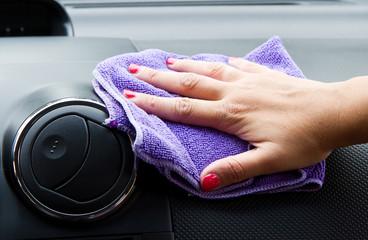 pulizia interno auto