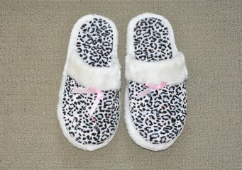 Bedroom slippers with animal print design