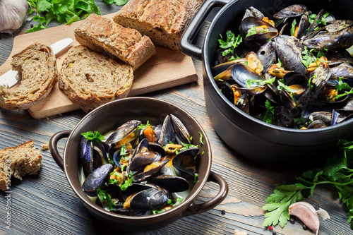 Fresh mussels prepared at home