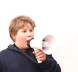 Jugendlicher mit Microfon