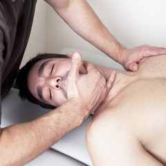 Wirbelsäule behandeln