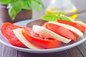 mozzarella with tomato