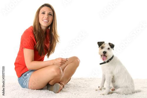Nackter Junge mit Hund