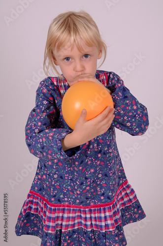 luftballon aufblasen