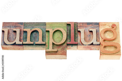 unplug word in wood type