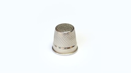 Thimble for finger protection rotating