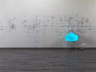 Alte gestrichene Wand baluer Stuhl Parkett