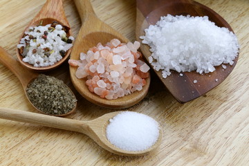 different types of salt (pink, sea, black, and with spices)