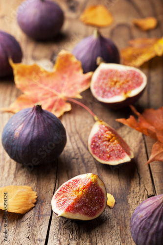 fresh figs and autumn leaves