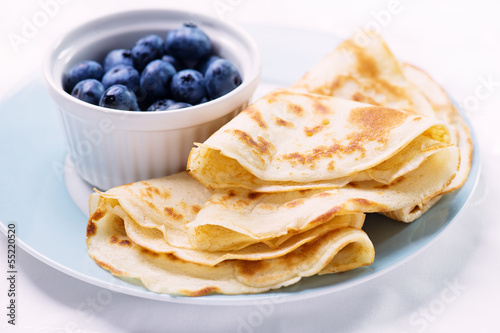 Crepes with berries - 55220520
