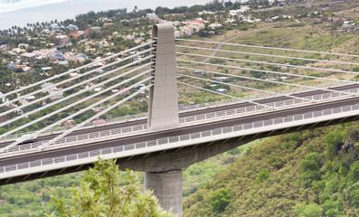 pont à haubans, route des Tamarins, île Réunion