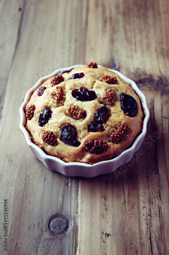 Cake with dried cranberries and white mulberry