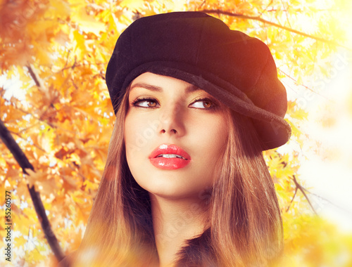 Autumn Woman in a Beret. Hat. Fashion Autumn Wear