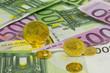 Goldmünzen auf Banknoten 3