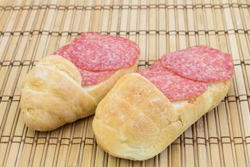 ciabattine di pane con salame