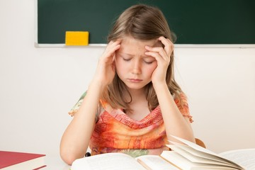 Übermüdete Schülerin