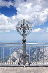 Kreuz der Zugspitzbahn auf der Zugspitze
