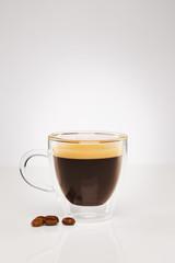 espresso mit kaffee bohnen