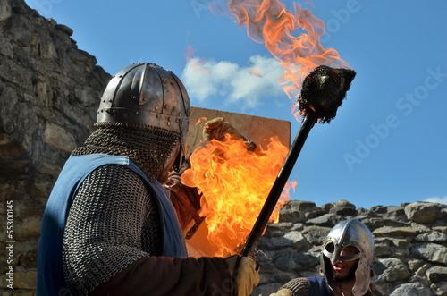 Ritter kämpfen mit Feuer