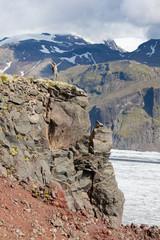 In vetta sulle  montagne della Islanda
