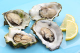 boiled oysters with lemon juice