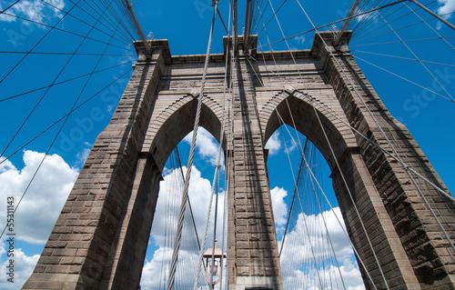 potezna-struktura-brooklyn-bridge-center-pylon-na-beautifu