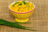 Scrambled eggs with chives