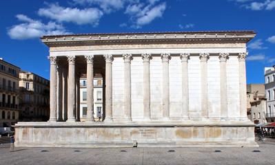 """temple romain """"Maison Carrée"""" à Nîmes"""