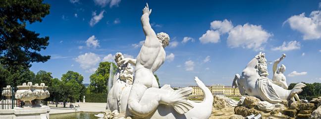 Neptune Fountain & Schloss Schonbrunn Palace