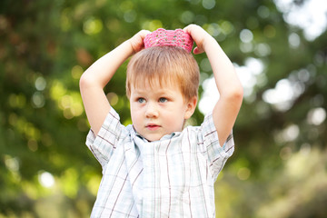 Boy wearing a knitted crown