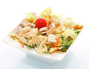Salade froide farfalles poulet