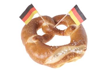 Laugenbrezel mit Deutschlandfahne