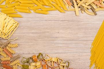 Verschiedene Pasta mit Textfreiraum
