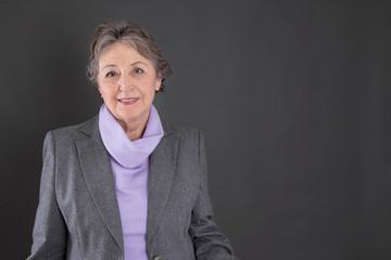 Portrait einer alten Frau als Hintergrund
