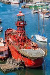Bateau phare à Douarnenez
