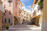 Fototapety Torri del Benaco, Gardasee, Gasse, Zentrum, Italien