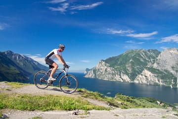 Mann, Mountainbike, Fahrrad, Monte Brione, Riva, Gardasee