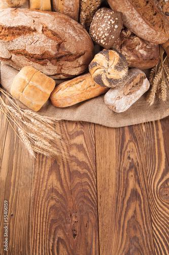 Papiers peints Boulangerie Fresh bread on wood